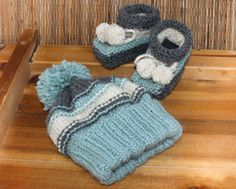 Knitted Hat and Booties  Baby Set baby boy set by LiliasDesign