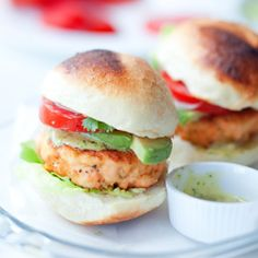 salmon burgers most deff gonna need to kook this up one day this summer Fish Recipes, Seafood Recipes, Appetizer Recipes, Cooking Recipes, Healthy Recipes, Salmon Recipes, Cooking Tips, Appetizers, Seafood Dishes
