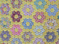 Fantastic-VINTAGE-1930s-Flower-Garden-Yo-Yo-QUILT-79-x-81