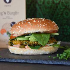 Bioveganer Burger mit Vitamin B12. Finde leckere Rezepte auf veg'N co Falafel, Avocado, Fast Food, Vitamin B12, Salmon Burgers, Ethnic Recipes, Lawyer, Falafels