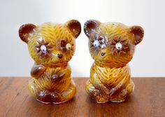 Vintage Bear salt and pepper shakers from the 1970s, googly eyes, made in Japan, imported by Irwin Specialties by Trashtiques on Etsy https://www.etsy.com/ca/listing/500432382/vintage-bear-salt-and-pepper-shakers