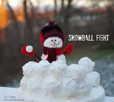 Snowball Fight Snowman Crafts - Make snowman craft ideas for that weird post-Christmas decor slump when you check out this tutorial.