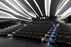 Image from Perot Museum of Nature and Science by Office for Visual Interaction (OVI) Home Theater Rooms, Home Theater Design, Cinema Room, Theater Architecture, Light Architecture, Architecture Details, Auditorium Design, Function Hall, Lecture Theatre