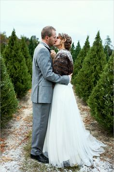 wintery wedding ideas | winter bridal look | snowy wedding romance | #weddingchicks