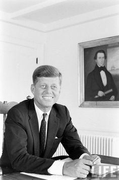 Sen. John F. Kennedy Date taken:	August 6, 1960 Photographer:	Alfred Eisenstaedt
