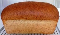 PÃO DE FORMA INTEGRAL SUPER SIMPLES de Anne Ashmore A RECEITA No Salt Recipes, Bread Recipes, Cooking Bread, Bread Cake, Biscuits, Greens Recipe, How To Make Bread, Sweet And Salty, Cooking Time