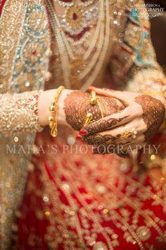 Maha 's design and photography Indian Bridal Wear, Bridal Mehndi, Pakistani Bridal, Mehendi, Desi Bride, Desi Wedding, Wedding Bride, Bridal Looks, Bridal Style