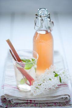 Om sommar, en glutenfri smulpaj, rabarberclafoutis & rabarbersaft på två sätt » Dagmar's Kitchen