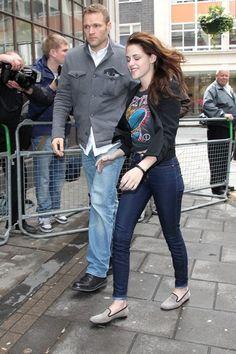 Kristen Stewart Photos - Kristen Stewart and Chris Hemsworth Head To The BBC - Zimbio