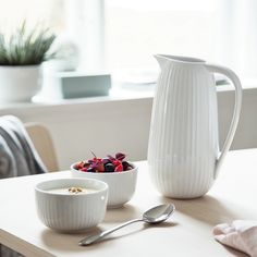 The elegant serving jug from the Hammershøi range has the same, much-loved design as the small milk jug.