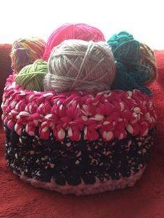 lovely people :) Hecho con amor y con nuestros materiales, por Adriana  #hechoamano #crochet #ganchillo #sacocharte #trapillo