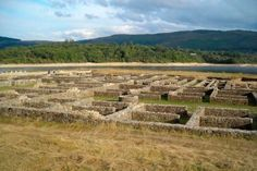 Campamento romano de Aquis Querquennis en Bande (Ourense) | Turismo de Galicia Portugal, Once Upon A Time, Archaeology, Celtic, Medieval, Ireland, Vineyard, Spanish, Places To Visit