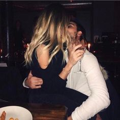Image about girl in Cute couples♥️ by Andrea on We Heart It Couple Blond, Girl Couple, Relationship Goals Pictures, Cute Relationships, Couple Relationship, Cute Couples Goals, Couple Goals, Couple Aesthetic, Boyfriend Goals