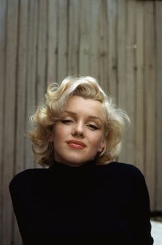 Alfred Eisenstaedt, Marilyn Monroe on patio outside of her home (1953)