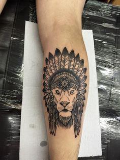 Tatuagem leão - panturrilha