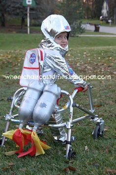 Astronaut Walker Costume *pinned by WonderBaby.org