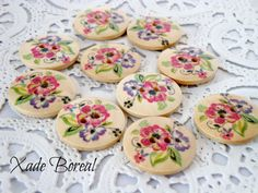 20 Wooden buttons floral design by XadeBorealSupplies on Etsy, $4.00