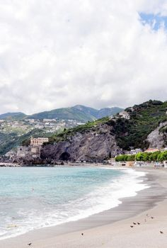 Beach livin': http://www.stylemepretty.com/living/2015/06/27/10-best-beach-reads/