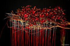 Corporate Flowers, Modern Flower Arrangements, High Art, Simple Flowers, Natural Life, Floral Design, Art Floral, Land Art, Ikebana