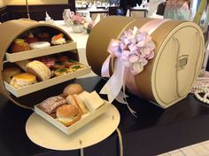Ingenious idea of takeaway #afternoontea in a special tiered box
