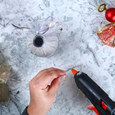 Ange DIY en bouteille recyclée - Une activité de Tête à modeler Home Appliances, Teacher, Christmas, Diy, Christmas Crafts, Bricolage Noel, Diy Crafts, Christmas Sewing Projects, Easy Christmas Decorations