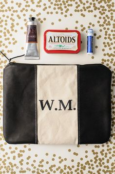 Tutorial for a zippered Dopp kit, features a stenciled monogram and leather trim. Makes a great gift.