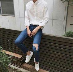 Moda Coreana Korean Style Hombre Ideas For 2019 Korean Fashion Trends, Korean Street Fashion, Kpop Fashion, Mens Fashion, Fashion Outfits, Streetwear, Minimal Fashion, Aesthetic Fashion, Stylish Men