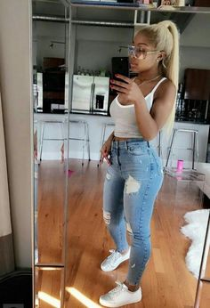 Find images and videos about fashion, girls and outfits on We Heart It - the app to get lost in what you love. Chill Outfits, Dope Outfits, Swag Outfits, Summer Outfits, Casual Outfits, Fashion Outfits, Womens Fashion, Baddies Outfits, Superenge Jeans