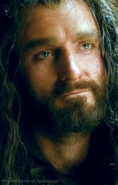 The soulful eyes of Thorin Oakenshield... (Richard Armitage) *melts*...