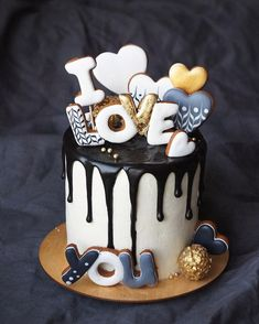 New Birthday Cake Chocolate Strawberry Sweets 29 Ideas Fondant Cakes, Cupcake Cakes, Baking Cupcakes, Drippy Cakes, Strawberry Sweets, Fig Cake, Bolo Cake, Valentines Day Cakes, Pecan Cake
