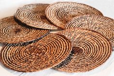 Hand made Placemats, hand-woven dedicatedly with straw shawl. (Paja Toquilla) de TheArtisansGalleryEC en Etsy