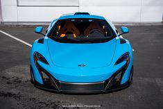 McLaren 675LT in Mexico Blue.