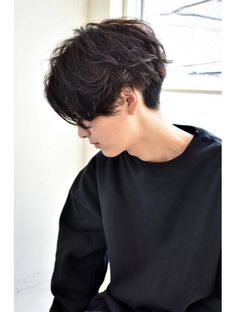 New Pixie Haircut Ideas for 2019 « New Hairstyle Tomboy Haircut, Tomboy Hairstyles, Hairstyles Haircuts, Cool Hairstyles, Androgynous Haircut, Shaved Hairstyles, Pixie Haircuts, Short Curly Hair, Short Hair Cuts