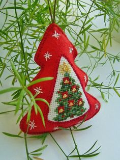 42 Ideas For Embroidery Patterns Christmas Ornaments Cross Stitch Cross Stitch Christmas Ornaments, Xmas Cross Stitch, Christmas Cross, Felt Christmas, Handmade Christmas, Christmas Tree Ornaments, Cross Stitch Embroidery, Christmas Decorations, Vintage Embroidery