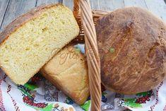"""Paine pufoasa de casa cu malai si cartofi este o reteta traditionala, taraneasca, simpla si satioasa, se face in mai multe zone ale Romaniei. Este o paine moale, pufoasa, de o superba culoare aurie si cu un gust de poveste. La tara, painea aceasta se coace in cuptoarele cu lemne, in ,,tavale"""" mari, captusite cu frunza de varza sau unse cu untura. Doamne, ce buna este!!! Se mentine moale mai bine de o saptamana, iar malaiul ii da o savoare fantastica :) Biscuits, Bread, Vegan, Healthy, Recipes, Food, Crack Crackers, Cookies, Brot"""