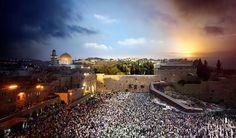 Tag und Nacht in einem einzigen Bild: Klagemauer in Jerusalem #israel #barefoottraveldesign #geo