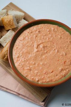 Spread met geroosterde paprika en feta