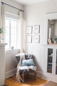 Best Creamy White Paint Color - Eva Ennis Creative sw eider white wall color with pure white trim? Off White Paint Colors, White Wall Paint, Off White Paints, Best White Paint, Off White Walls, Wall Paint Colors, Bedroom Paint Colors, White Rooms, Living Room Colors