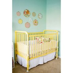 adorable yellow crib. #crib #yellow #nursery