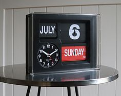 Jadco AD660S Automatic Calendar Clock. Day and Month spelt in full.