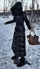 (PQAZML) Tags: long down coat puffy nylon hood fur woman beauty sexy parkasite moncler winter cold jacket fetish Puffer Coats, Down Puffer Coat, Cold Jacket, Long Down Coat, City People, Winter Parka, Dark Winter, Picture Tag, World Best Photos