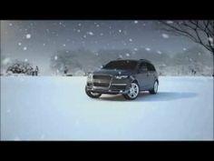 Message animé 3D d'une voiture zigzaguant sur la glace. Concept qui exploite la thématique « Patinez, mais pas sur la route ».