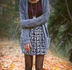 I like this combo with the grey cardigan for Autumn/Winter