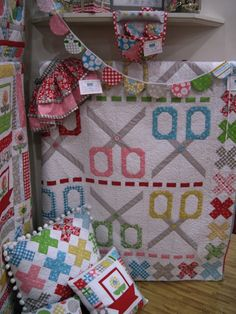 Bee In My Bonnet:  Scissors Quilt  A.Dor.Able.