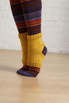 Yoga socks made with worsted weight yarn. Knitting Patterns Free, Knit Patterns, Free Knitting, Knitting Socks, Free Pattern, Crochet Socks, Crochet Yarn, Knit Socks, Fun Socks