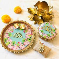 Thali Decoration Ideas, Diwali Decorations, Rakhi For Brother, Handmade Rakhi, Marriage Decoration, Rakhi Gifts, Wedding Plates, Sweet Box, Indian Prints