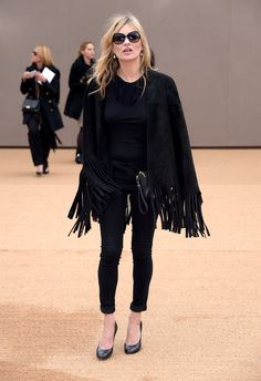 Kate Moss Photos Photos - Kate Moss attends the Burberry Prorsum AW 2015 arrivals during London Fashion Week at Kensington Gardens on February 23, 2015 in London, England. - Burberry Prorsum AW 2015 Arrivals