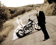 pic idea Motorcycle Photography, Drone Photography, Image Photography, Wedding Photography, Wedding Poses, Wedding Engagement, Wedding Ideas, Wedding Stuff, Wedding Dresses