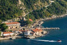 Agion Oros   Central port