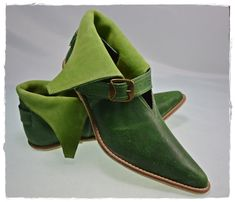 Medieval leather shoes from XIV-XV century  by MedievalWardrobe